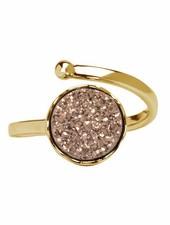 Marissa Eykenloof Gouden ring met rose druzy agaat