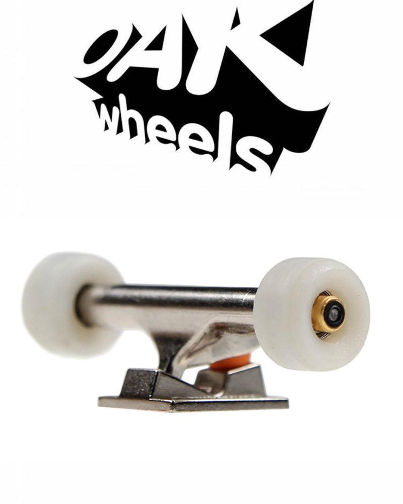 Oak Wheels RV2V Original White