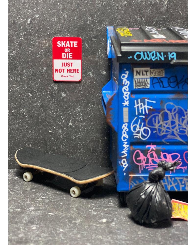 FBS Mini Sign - SKATE OR DIE