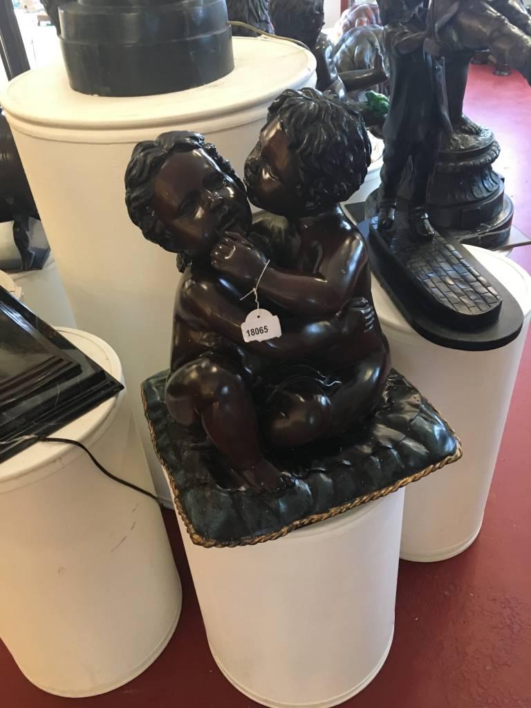 Demmerik 73 18065 2 babies op kussen Brons