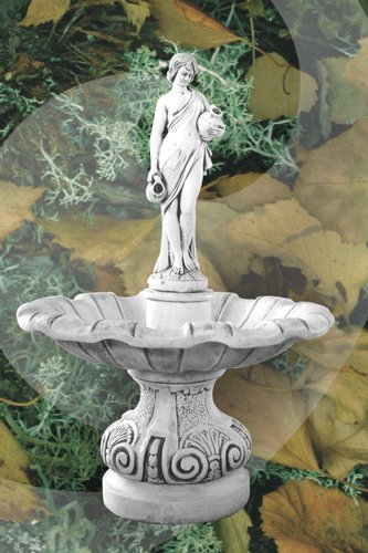 Demmerik 73 F376 Fontein met vrouwbeeld