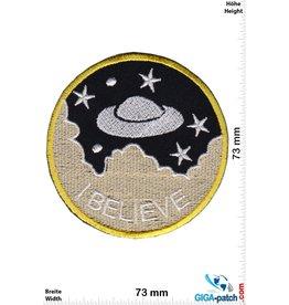 Alien I Believe - UFO - Alien - round