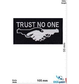 Trust No One - Waffen -Gun