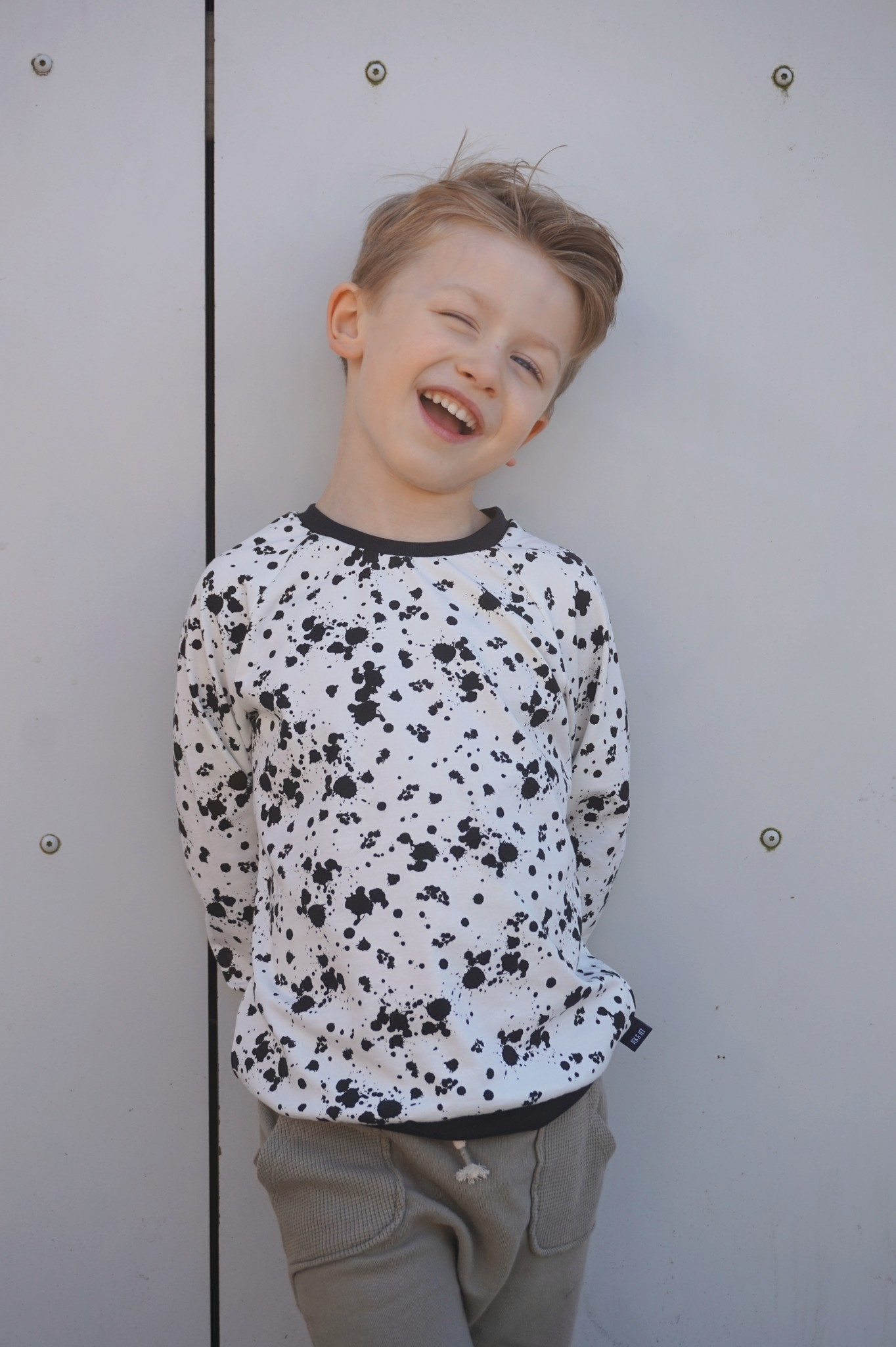 Sweater Noah - splash dots