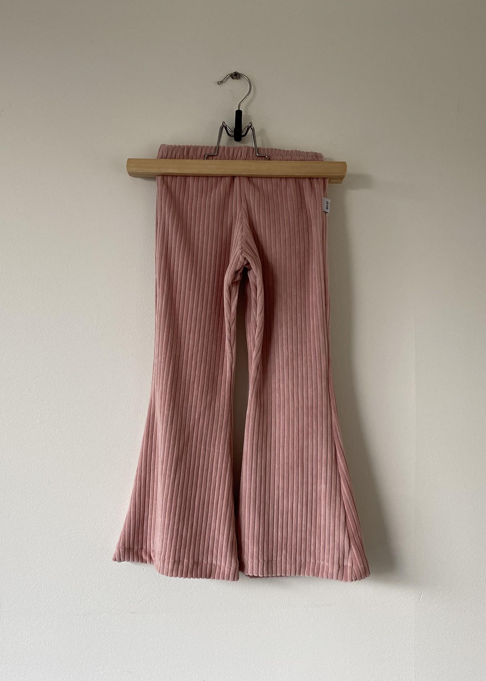 Flared broek Gigi - roze rib