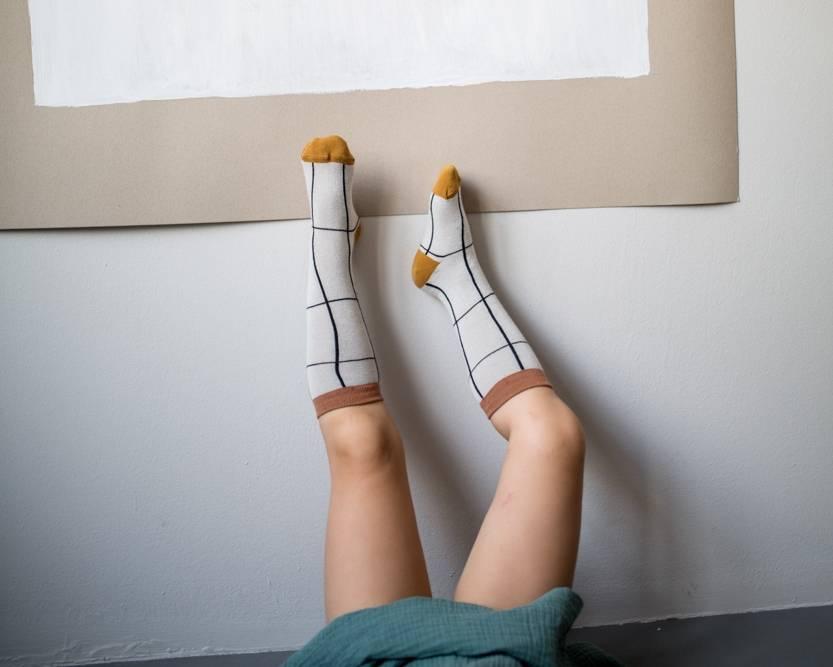 Grid Knee Socks