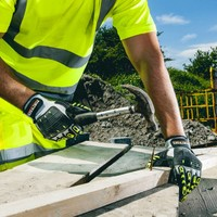 Hoe bescherm je tijdens het werken je handen en polsen?