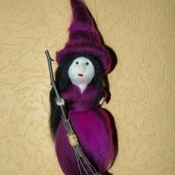 Hexe aus Maerchenwolle, lila