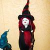 Hexe aus Maerchenwolle, schwarz