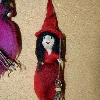 Hexe aus Maerchenwolle, rot