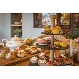 Grand Café de Klok Patisserie Kinder High Tea