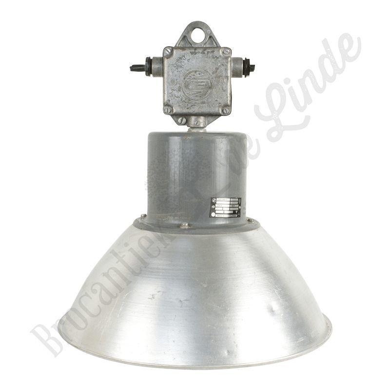 "Industriële fabriekslamp ""Pacov Junior"""