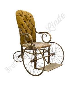 Antieke rolstoel
