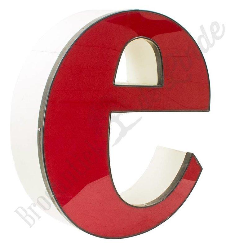 Kleine rode letter E