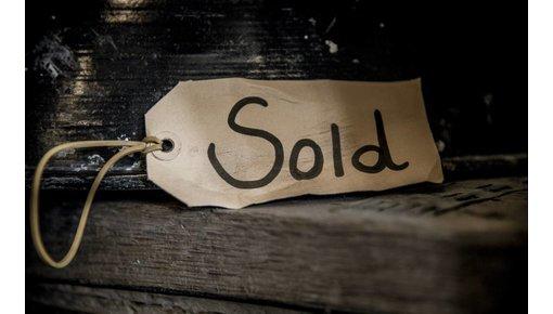 Sold by Brocantiek de Linde!