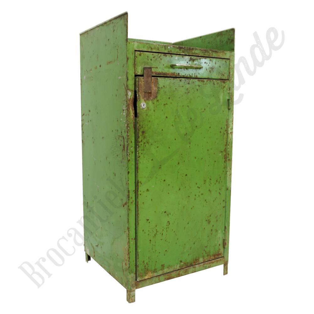 Industriele Kast Met Glas.Groene Vintage Kast Van Metaal Brocantiek De Linde