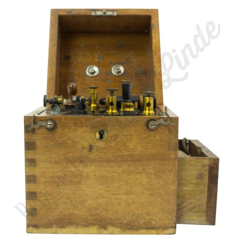 Oude electroshock machine '1900'