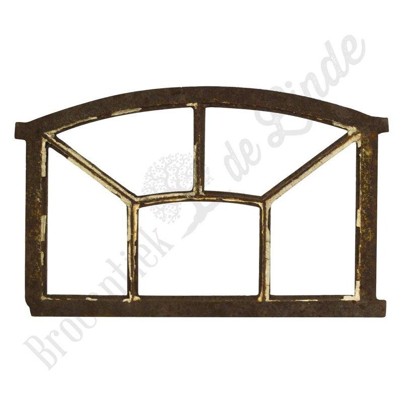Oud gierijzeren raam