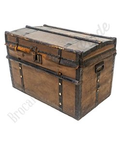 Oude robuuste kist