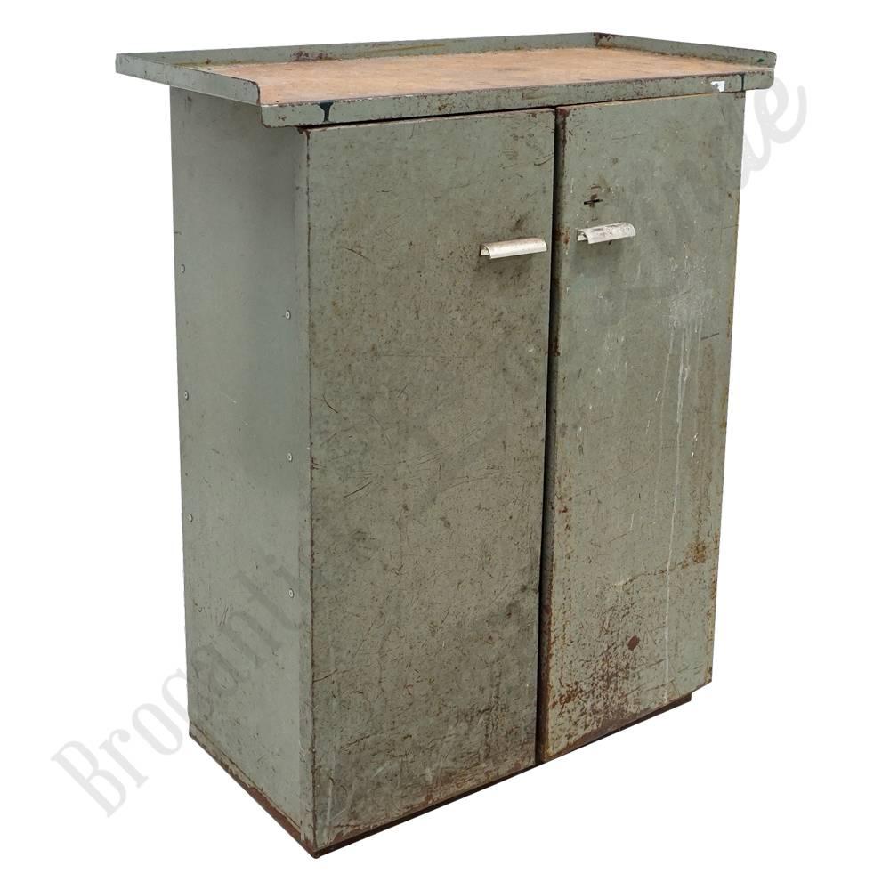 Nieuw Stoer metalen dressoir 'zelená' | Brocantiek de Linde OM-47
