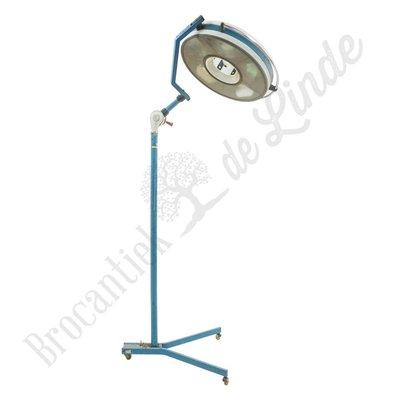 Vintage operatielamp 'Provozu'