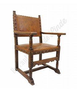 Antieke kasteelstoelen