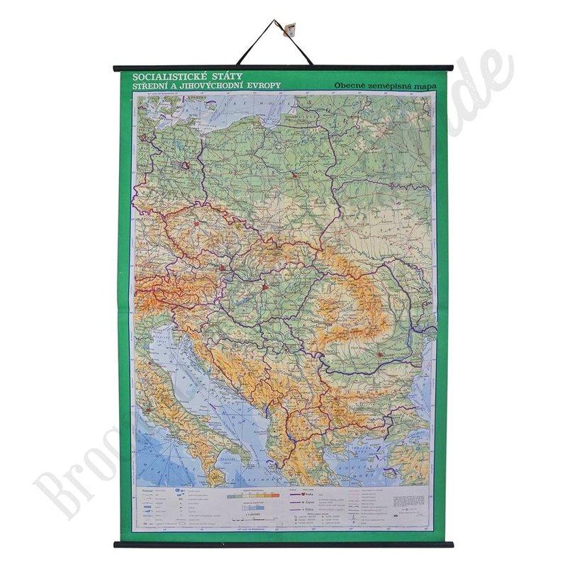 Oude landkaart 'Socialistische staten midden en zuid Europa'