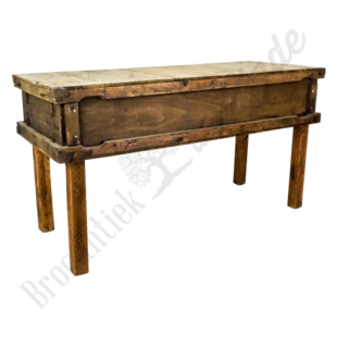 Stoere houten werktafel
