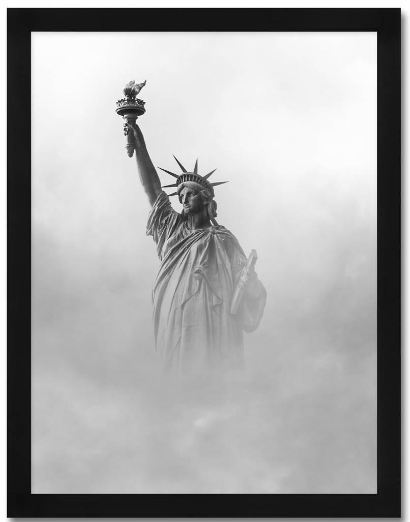 livstil Freiheitsstatue im Nebel