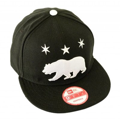 Famous Stars and Straps Grizzly Star Snapback Cap Black/White