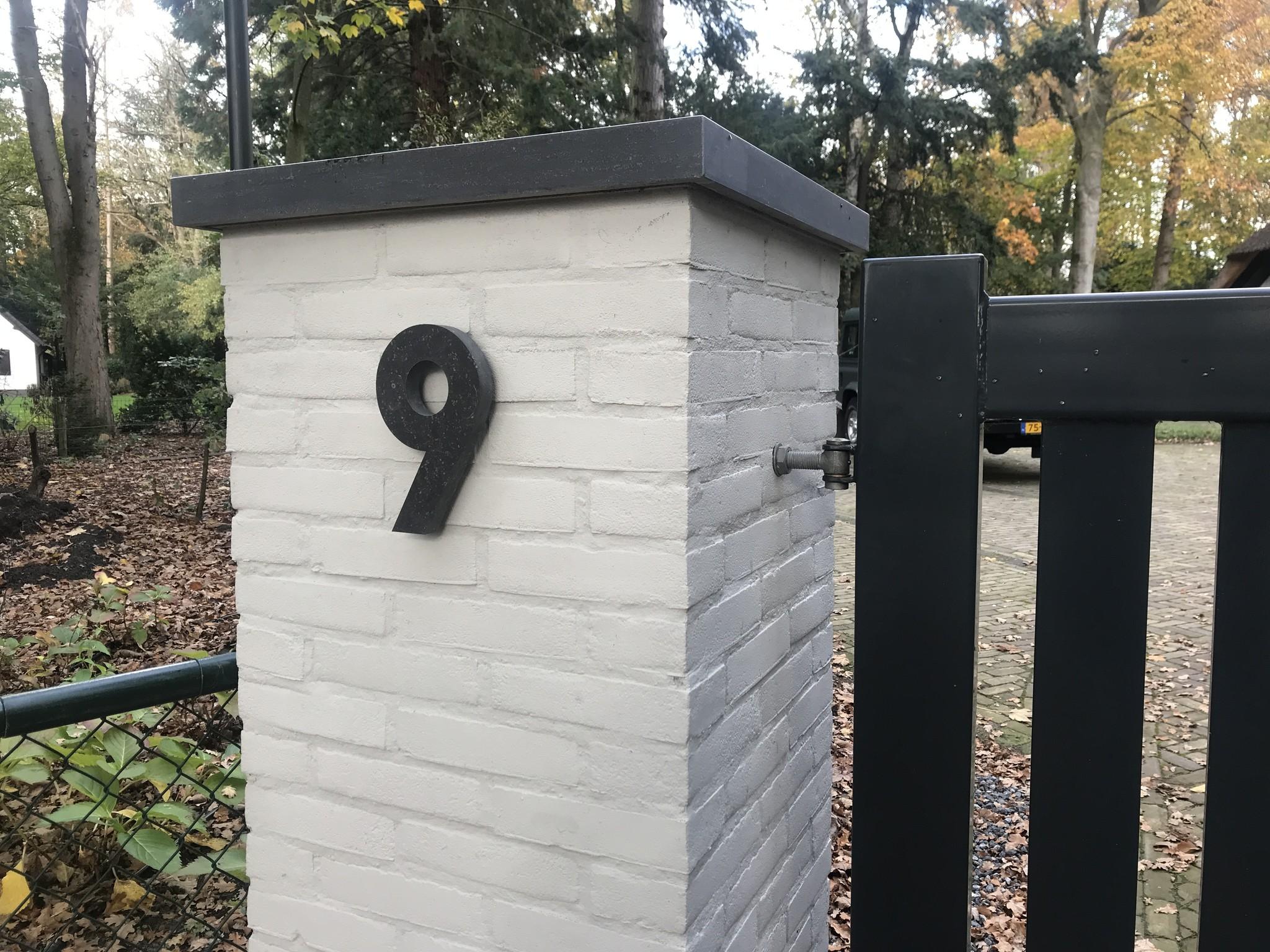 La Pierre Stones Natuursteen huisnummer contour cijfer belgisch hardsteen 0 t/m 9 - 20 cm