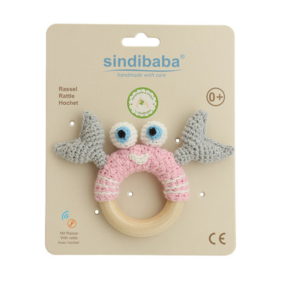 Sindibaba Rattle cancer on wooden ring light pink