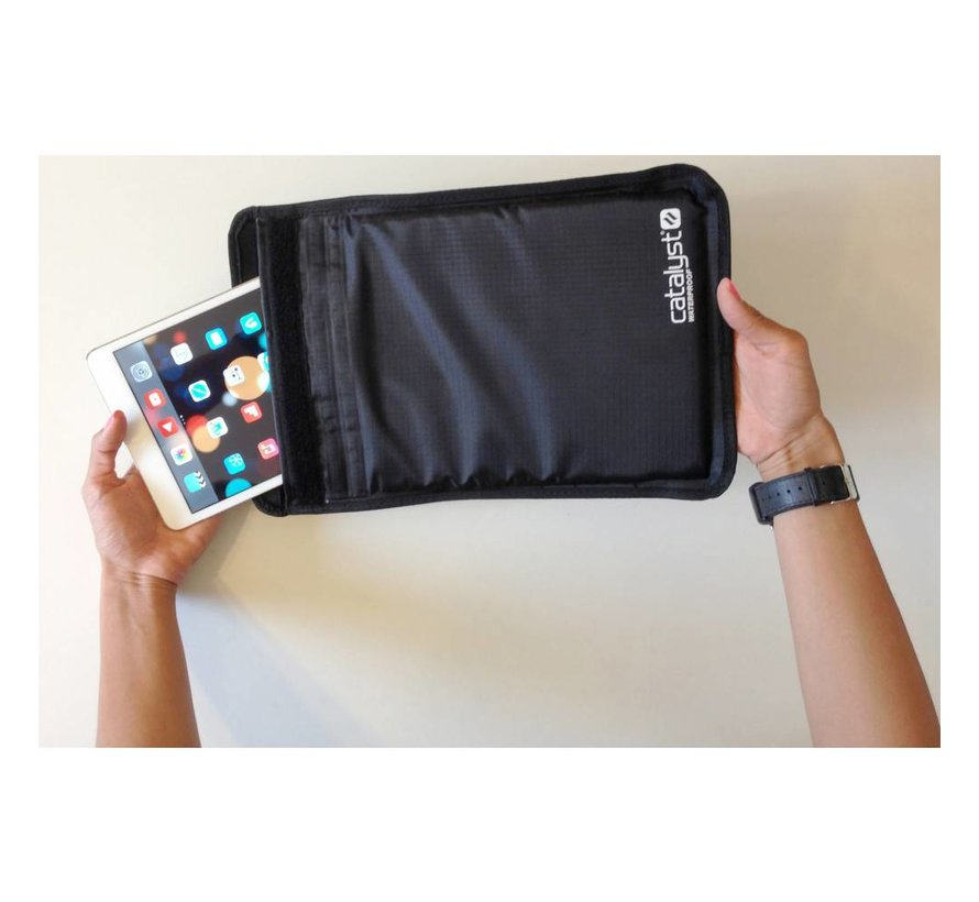 Catalyst Universal Waterproof Sleeve 7-8 inch tablets