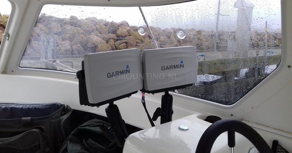 Montage Garmin 721 en een 721XS op boot met RAM Mounts