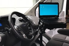 Laptopmontage in Ford Transit Custom