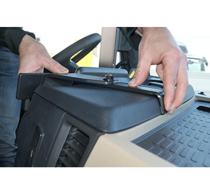 Proclip Mercedes Benz Actros 5 20- Center mount - Heavy Duty 213558