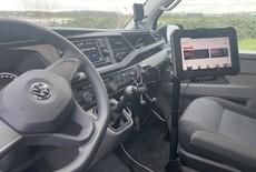 Samsung Active Pro professioneel gemonteerd in VW transporter