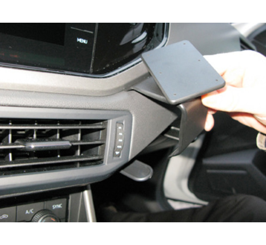 Proclip Volkswagen Polo 18- Angled mount, Right