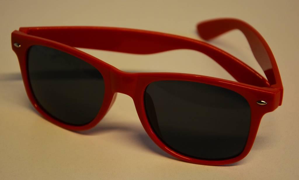 Dance4Life red sunglasses