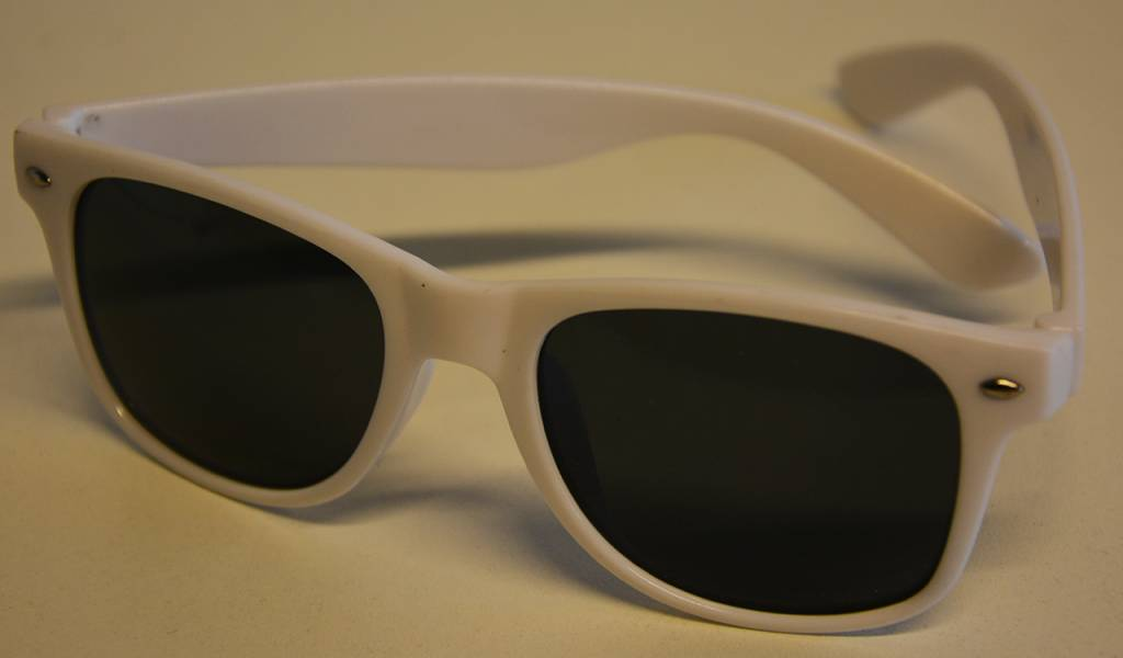 dance4life white sunglasses