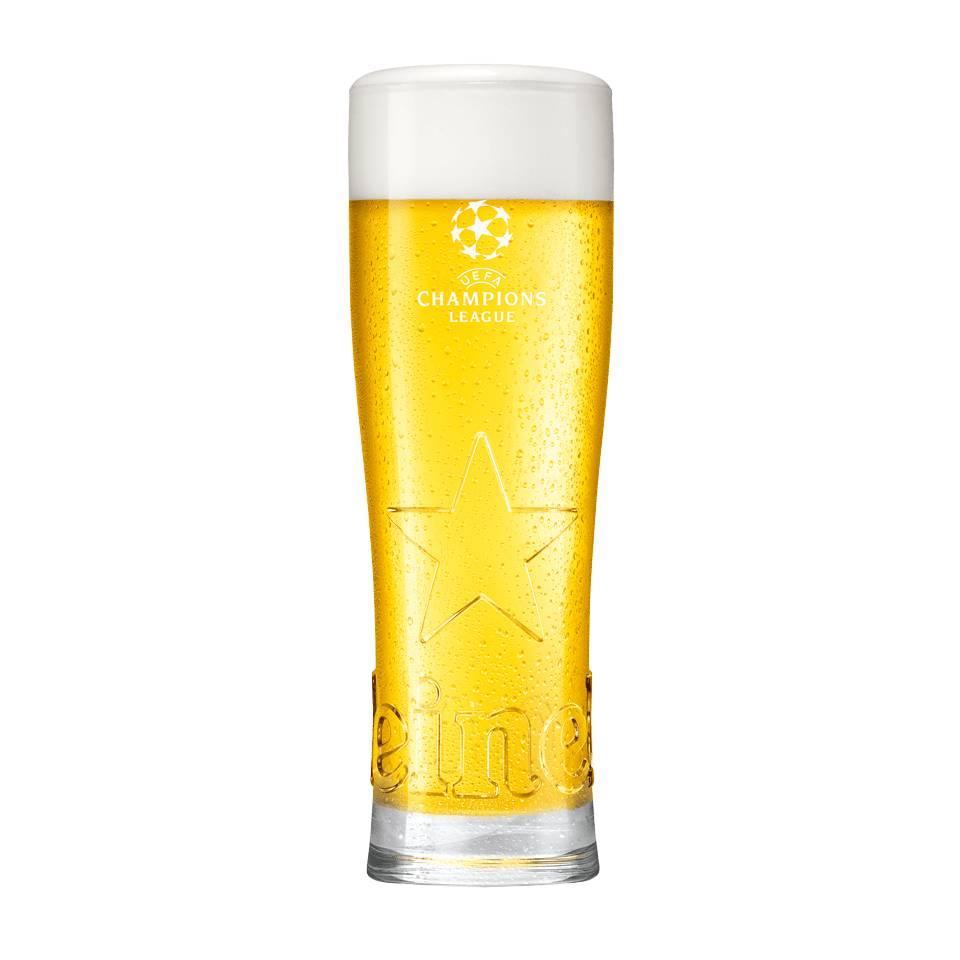 Vaso con estrella de Heineken de la UEFA Champions League