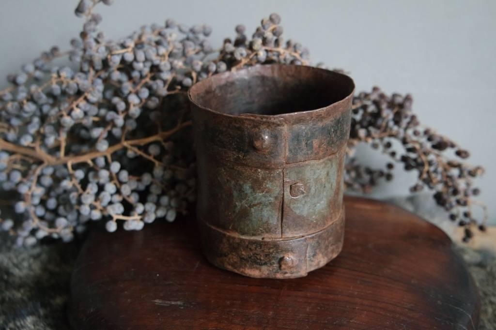 Oud metalen pennenbakje / lepelbakje