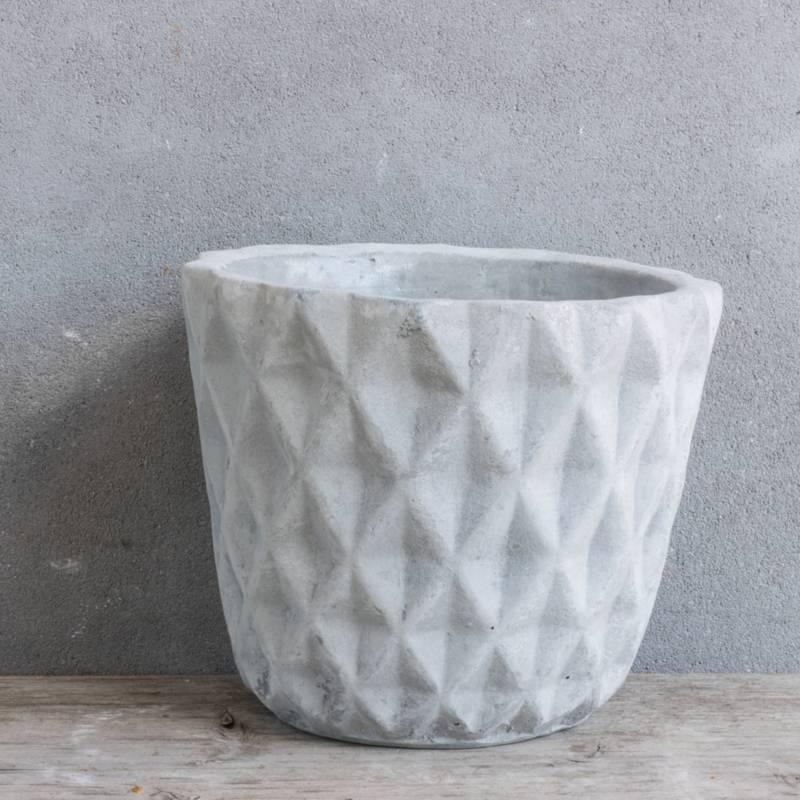 Cementen pot groot