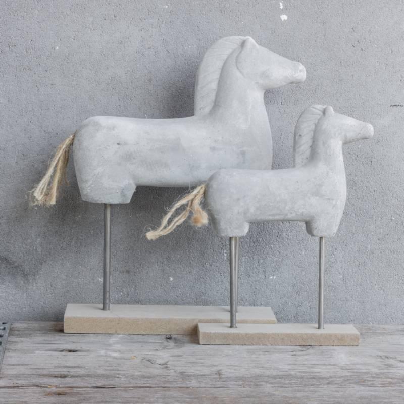 Cementen paard klein