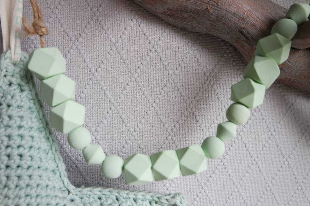 Kralenketting mint groen