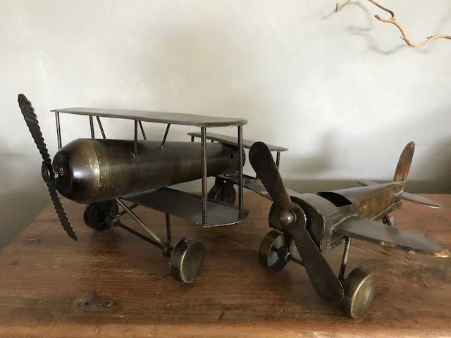 Metalen vliegtuig