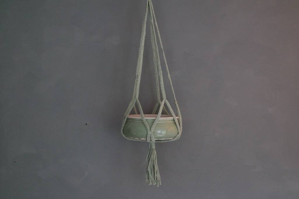 In the mood collection Macrame pothanger mint groen