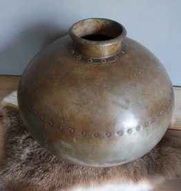 Oude ijzeren waterpot