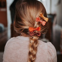 Your Little Miss Set of hair clips with bow rest