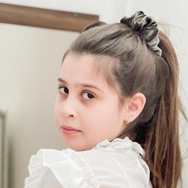 Your Little Miss Medium velvet scrunchie silver